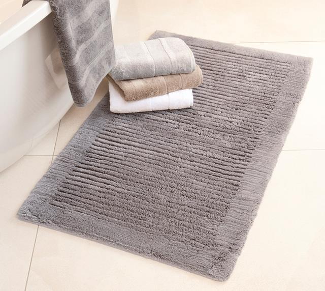 fliesen sanit re badeinrichtung s dtirol badteppich von caw textil. Black Bedroom Furniture Sets. Home Design Ideas