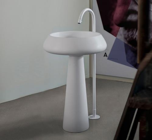 fliesen sanit re badeinrichtung s dtirol bjhon freistehender waschtisch von agape design. Black Bedroom Furniture Sets. Home Design Ideas