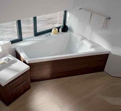 fliesen sanit re badeinrichtung s dtirol paiova eckbadewanne von duravit. Black Bedroom Furniture Sets. Home Design Ideas